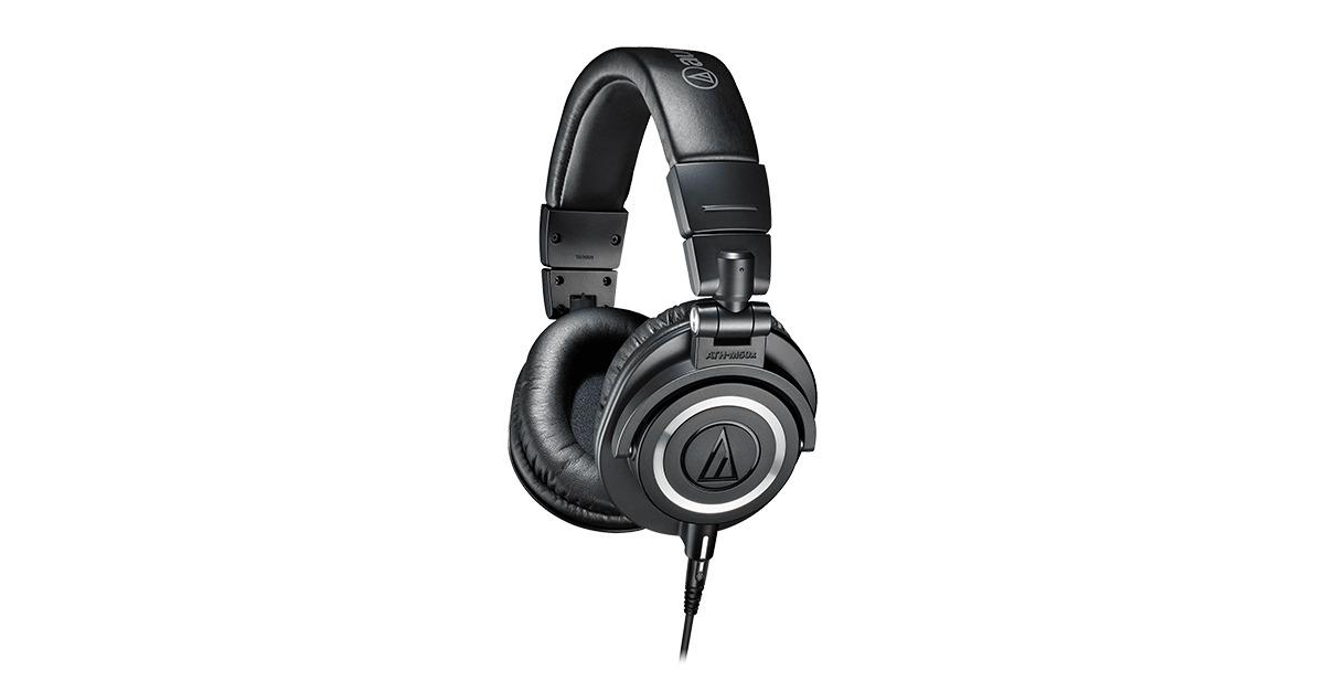 closed-back type of headphones
